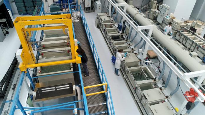 Centros tecnológicos vascos desarrollan tecnologías tractoras para revolucionar las superficies de los materiales